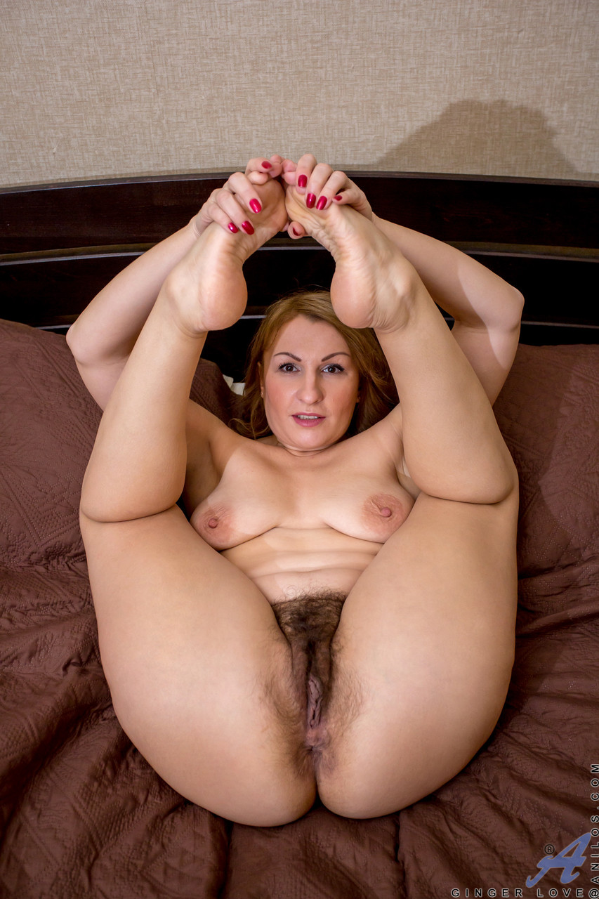 Mature women and grannies. Gallery - 633. Photo - 11