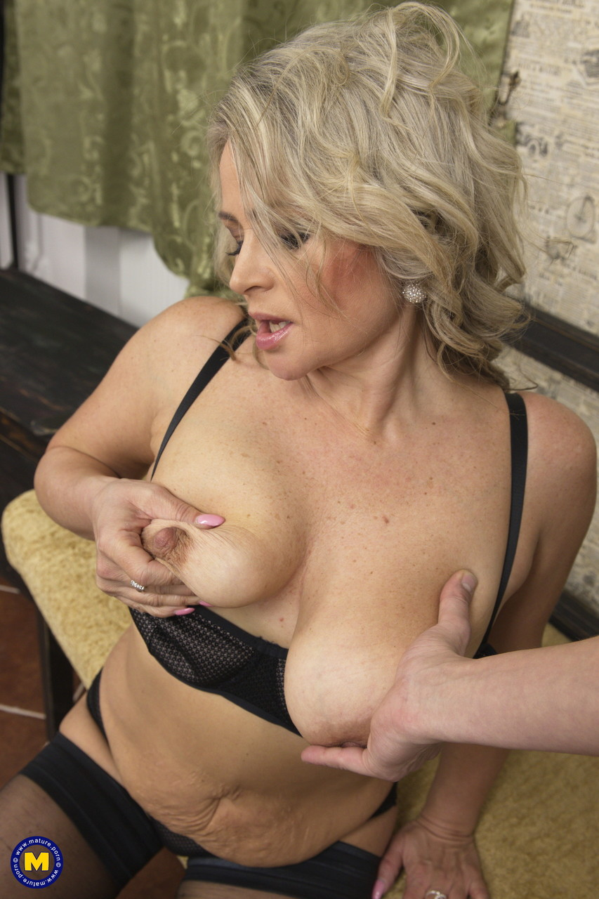 Mature women and grannies. Gallery - 645. Photo - 3