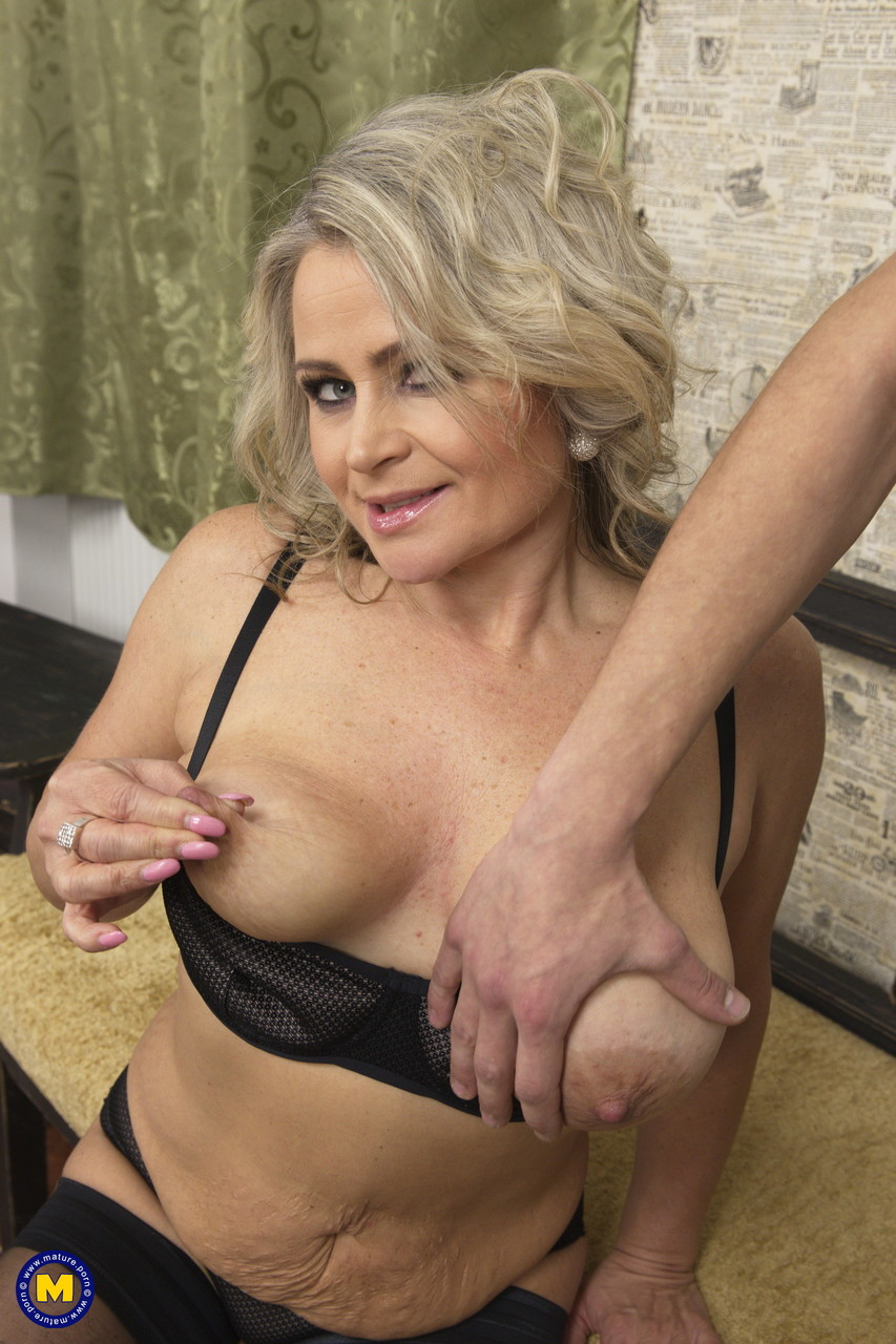 Mature women and grannies. Gallery - 645. Photo - 4