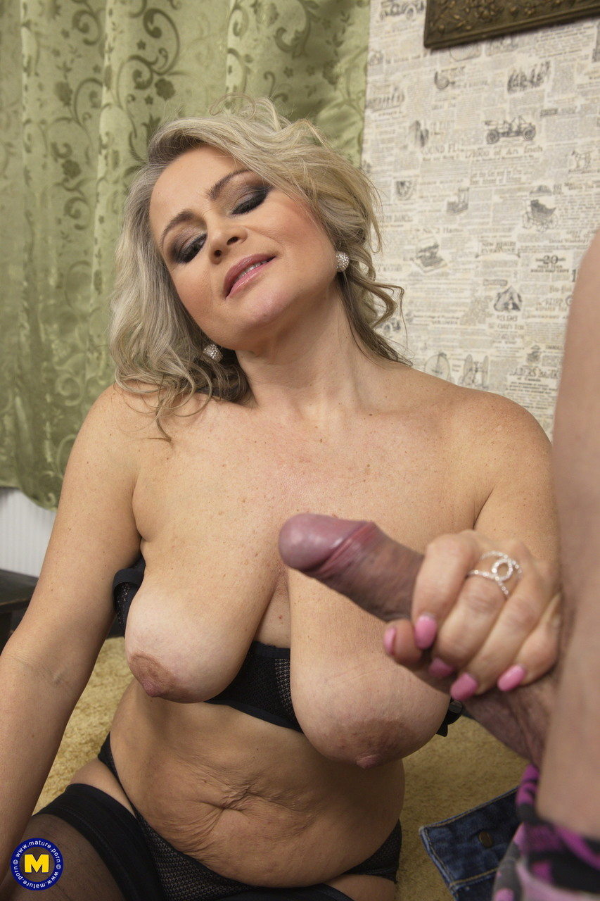 Mature women and grannies. Gallery - 645. Photo - 5