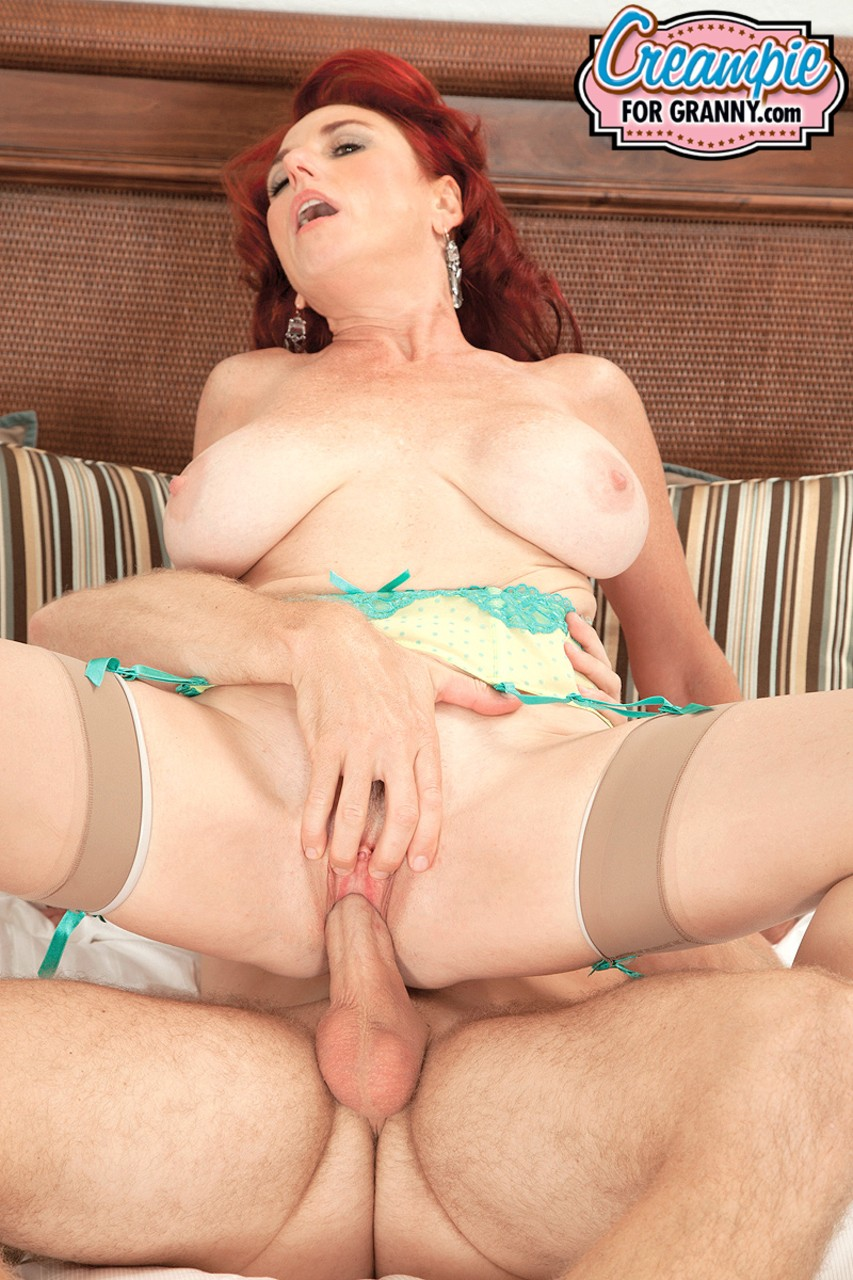 Mature women and grannies. Gallery - 647. Photo - 9