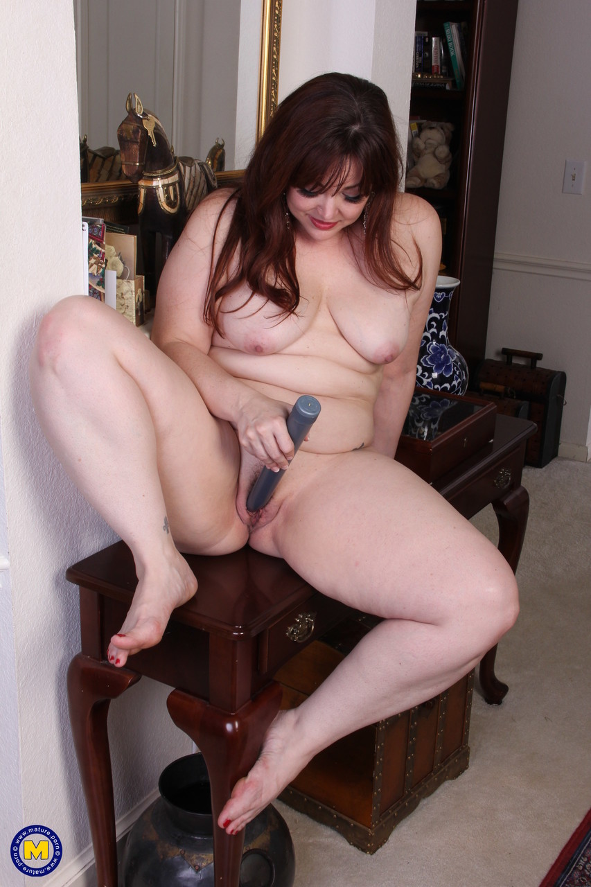 Mature women and grannies. Gallery - 653. Photo - 11
