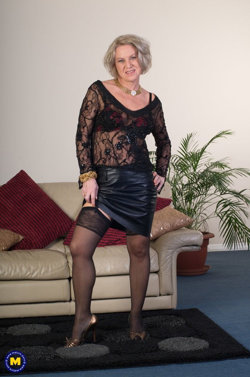Mature women and grannies. Gallery - 656. Photo - 1
