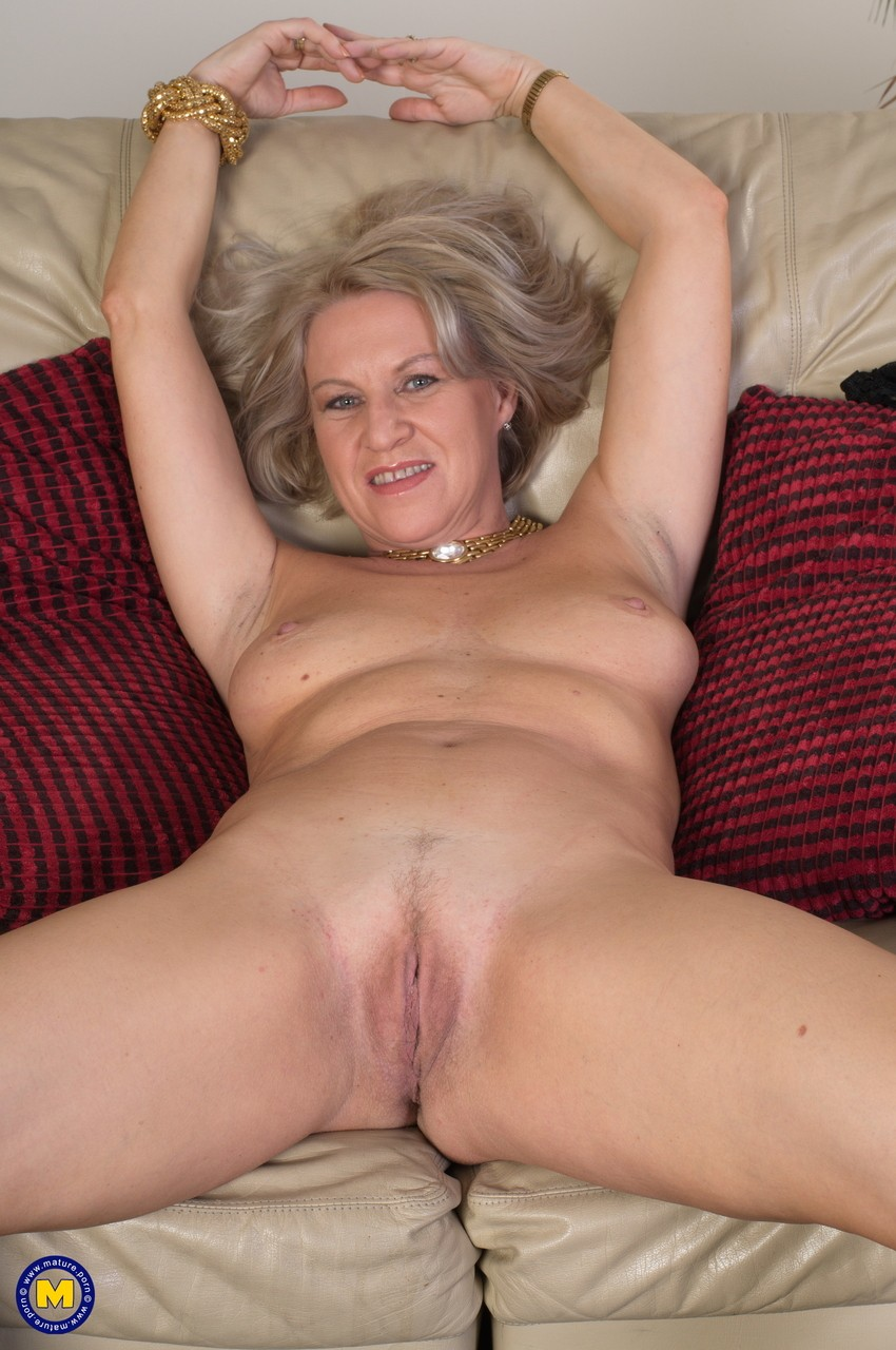 Mature women and grannies. Gallery - 656. Photo - 13