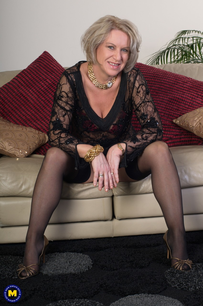 Mature women and grannies. Gallery - 656. Photo - 3