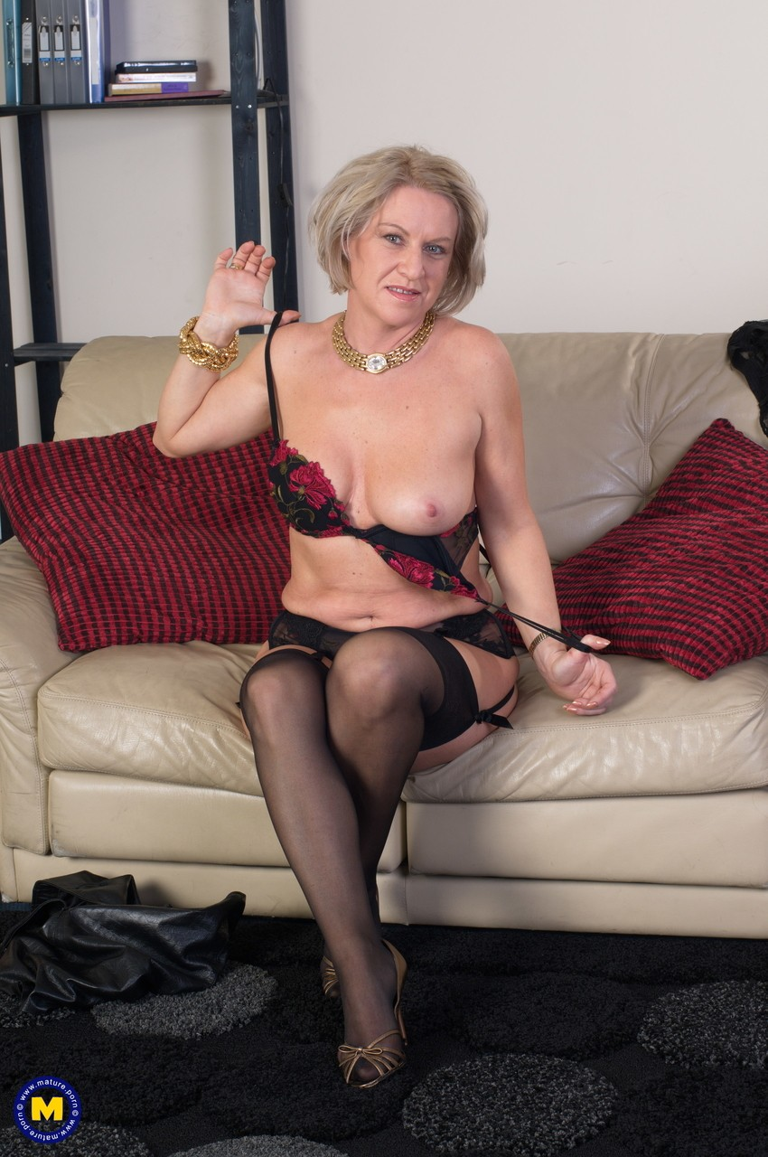 Mature women and grannies. Gallery - 656. Photo - 7
