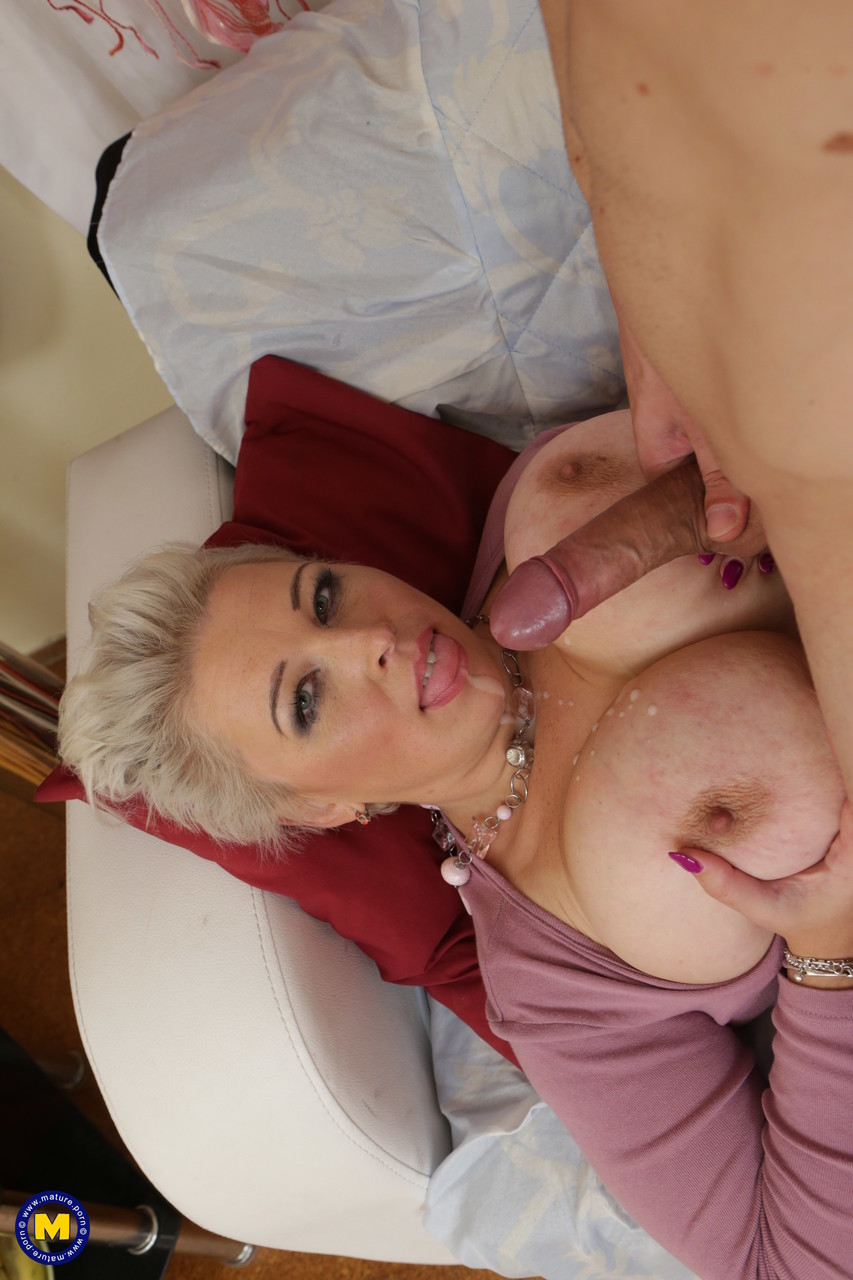 Mature women and grannies. Gallery - 657. Photo - 20