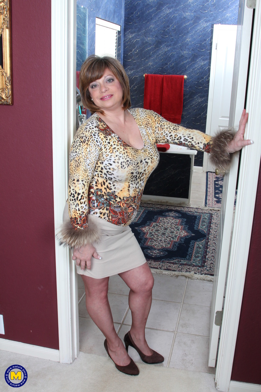 Mature women and grannies. Gallery - 660. Photo - 1