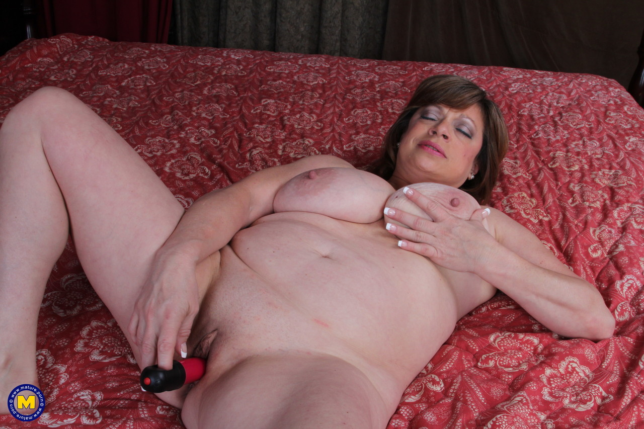 Mature women and grannies. Gallery - 660. Photo - 16