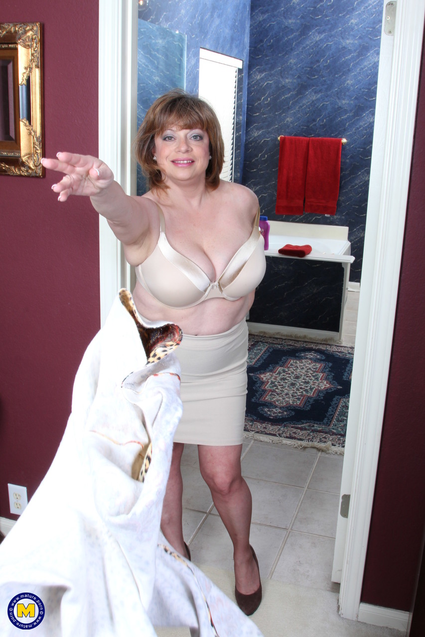 Mature women and grannies. Gallery - 660. Photo - 2