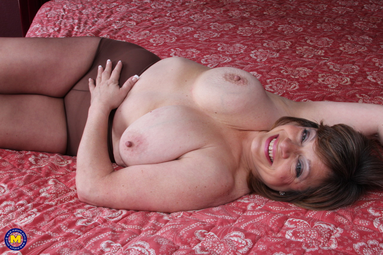 Mature women and grannies. Gallery - 660. Photo - 7