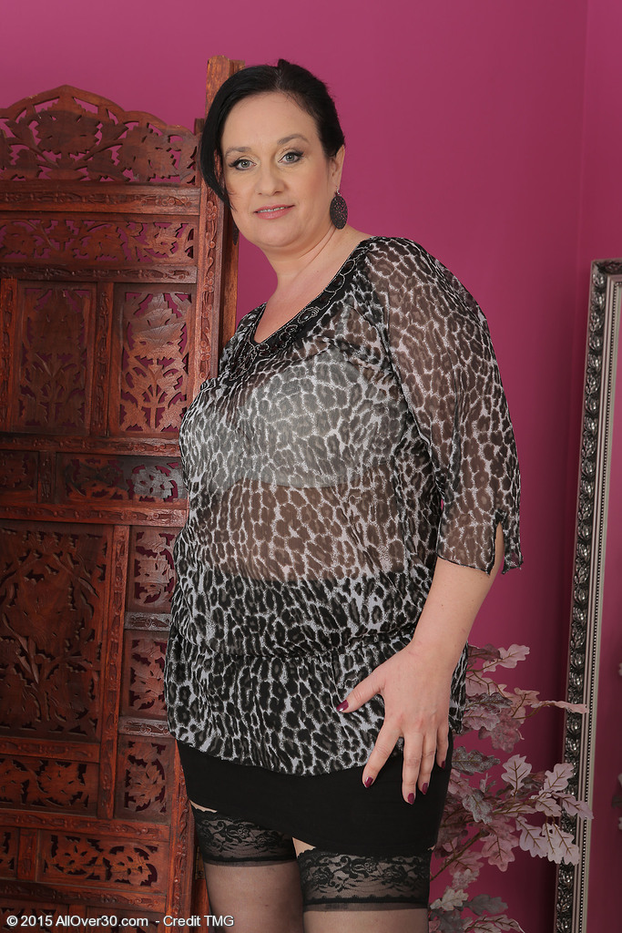 Mature women and grannies. Gallery - 667. Photo - 1