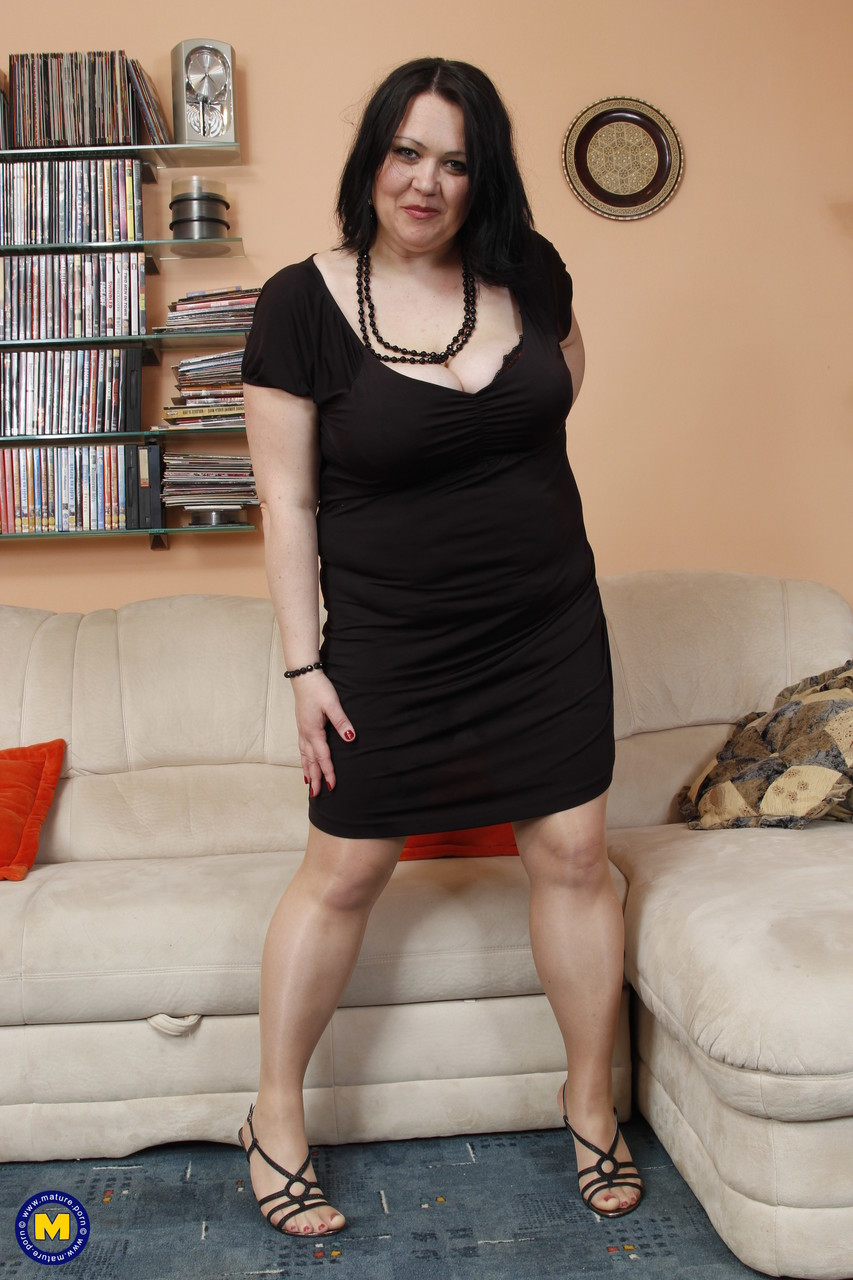 Mature women and grannies. Gallery - 668. Photo - 1