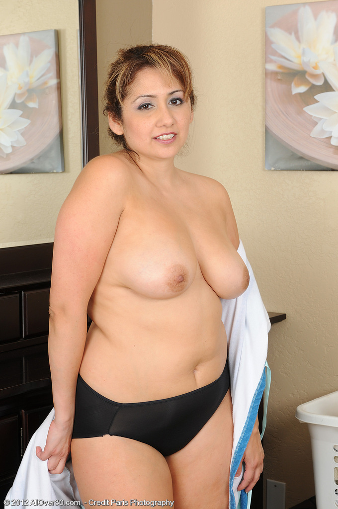 Mature women and grannies. Gallery - 669. Photo - 6