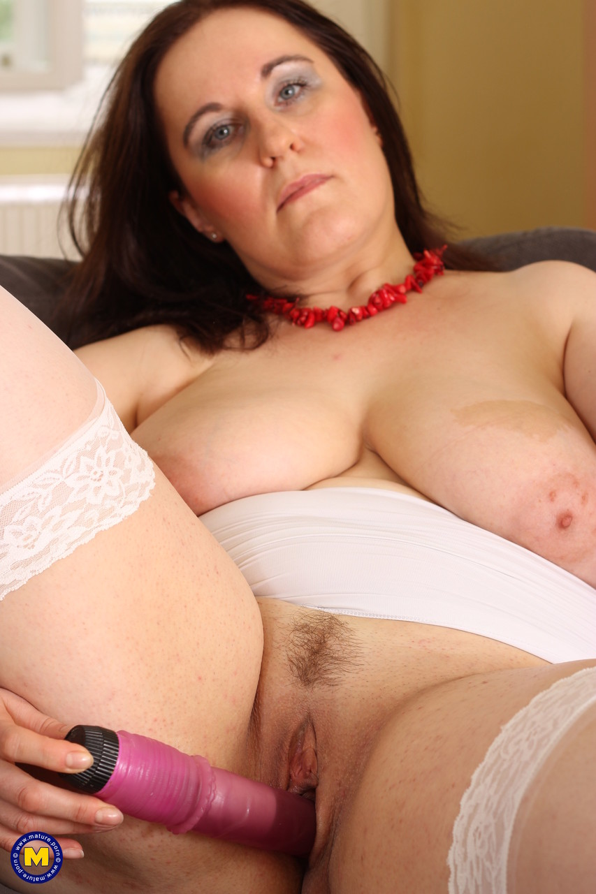 Mature women and grannies. Gallery - 707. Photo - 17
