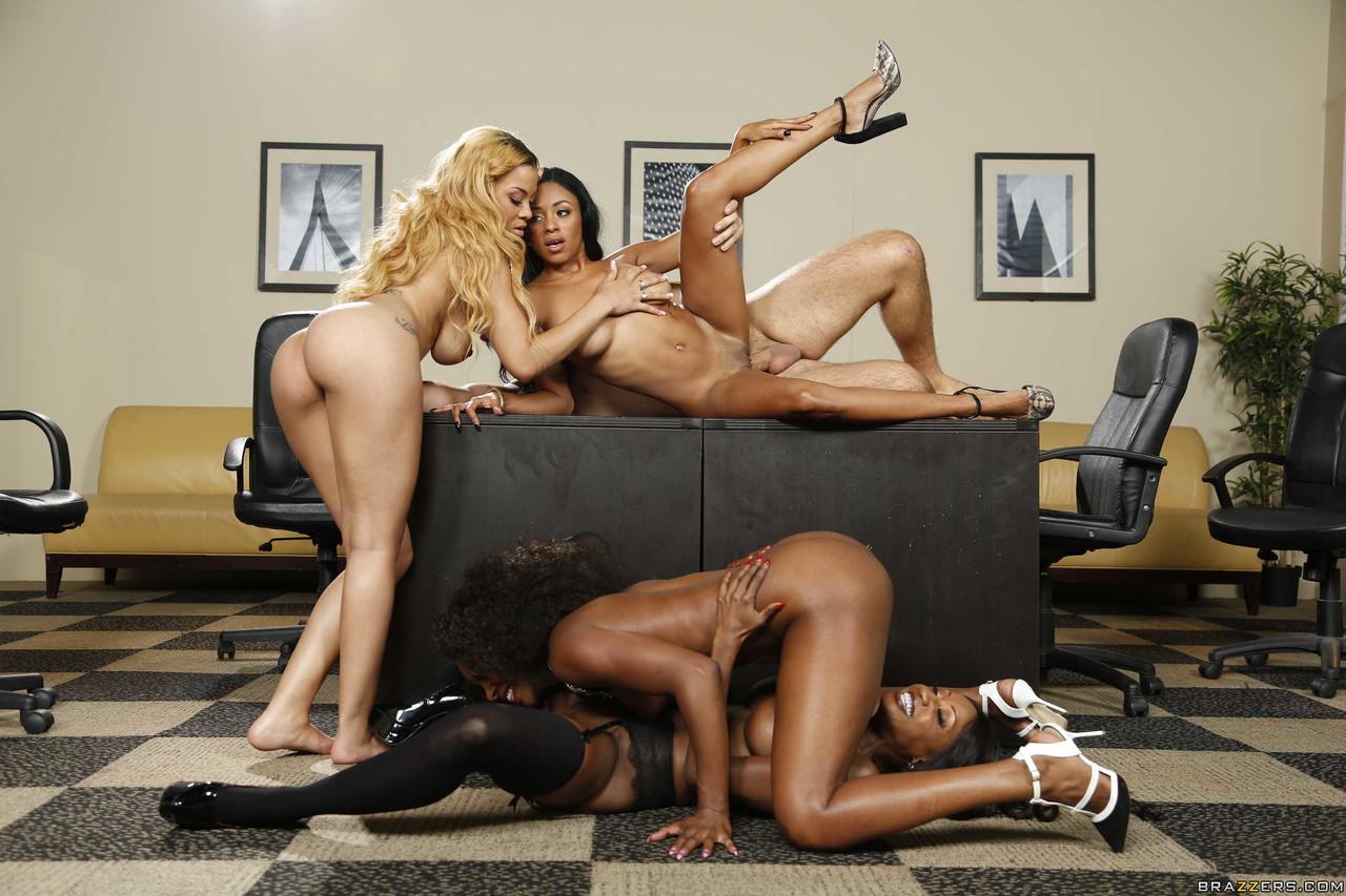 Ebony and black porn. Gallery - 1049. Photo - 15