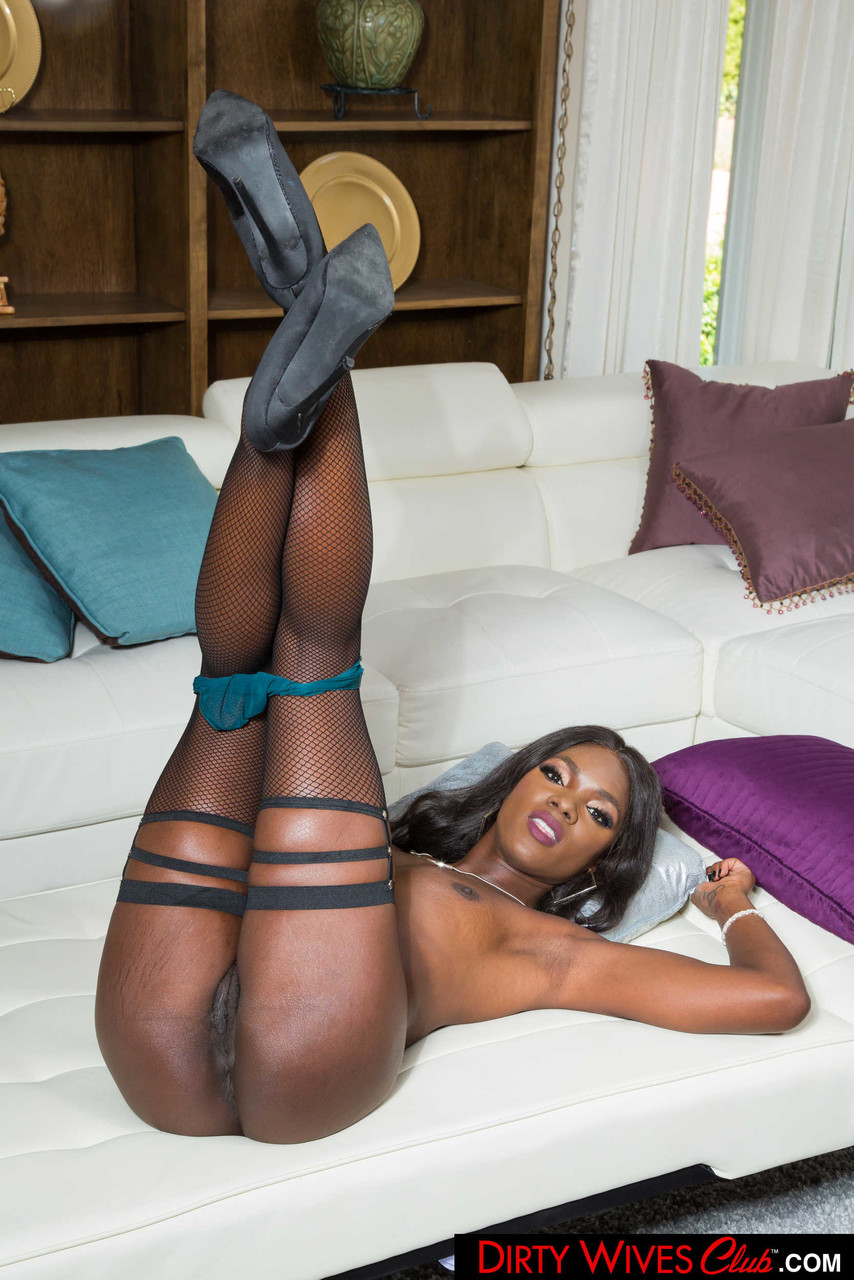 Ebony and black porn. Gallery - 1071. Photo - 12