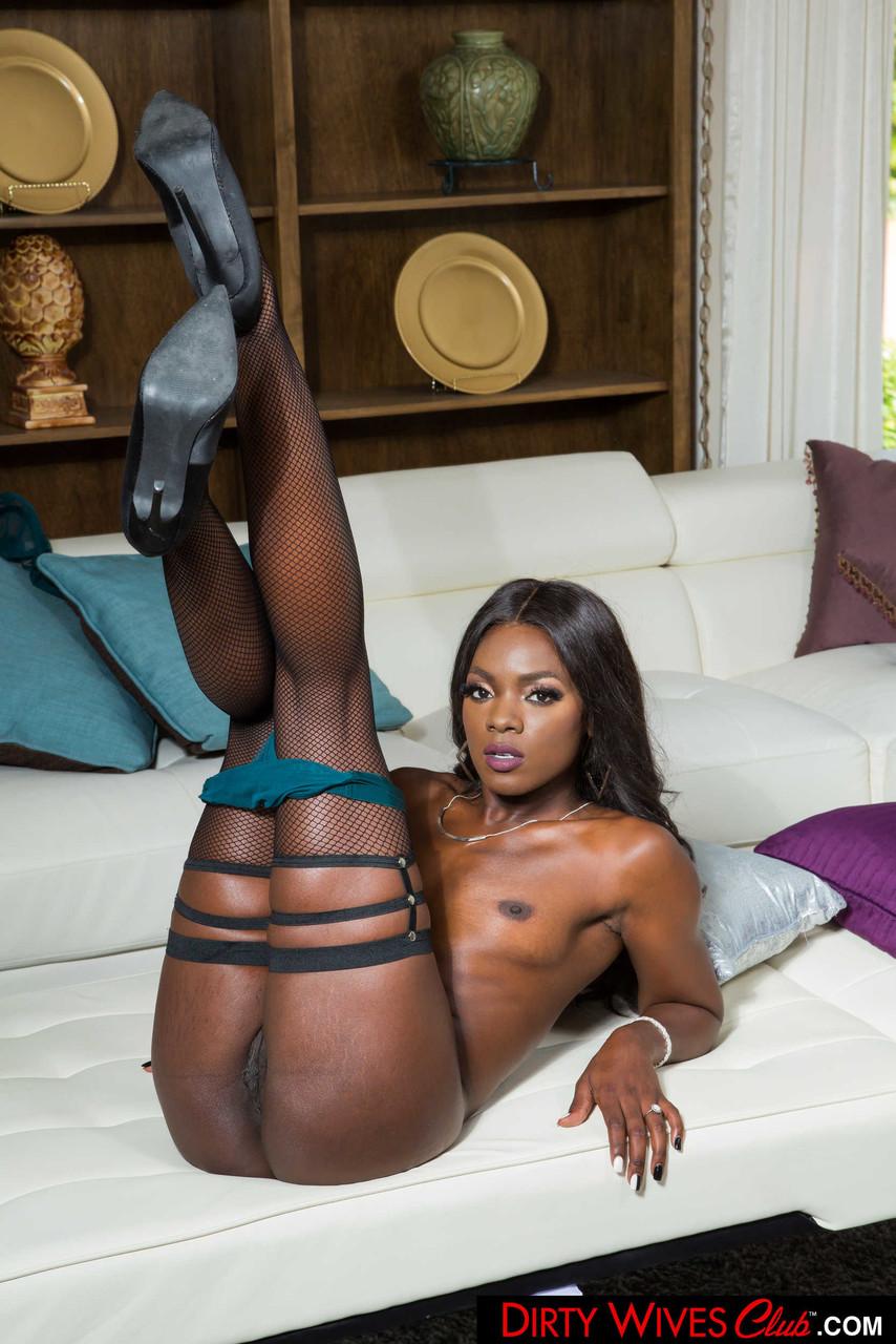 Ebony and black porn. Gallery - 1071. Photo - 13