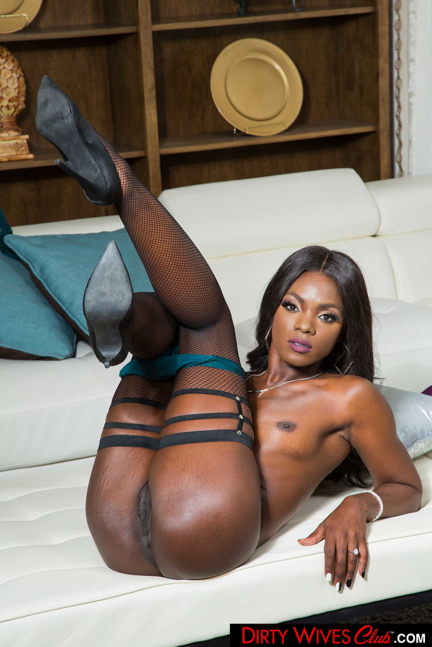Ebony and black porn. Gallery - 1071. Photo - 14