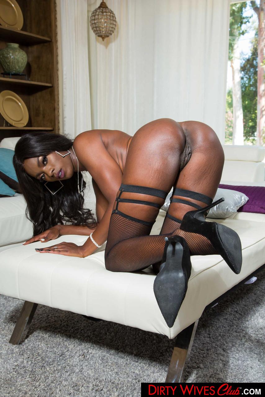 Ebony and black porn. Gallery - 1071. Photo - 17