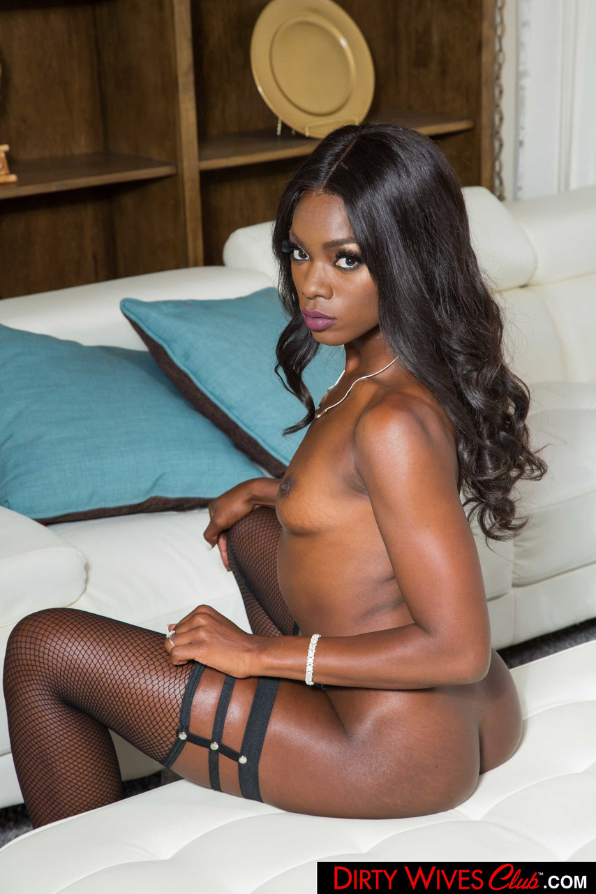 Ebony and black porn. Gallery - 1071. Photo - 19