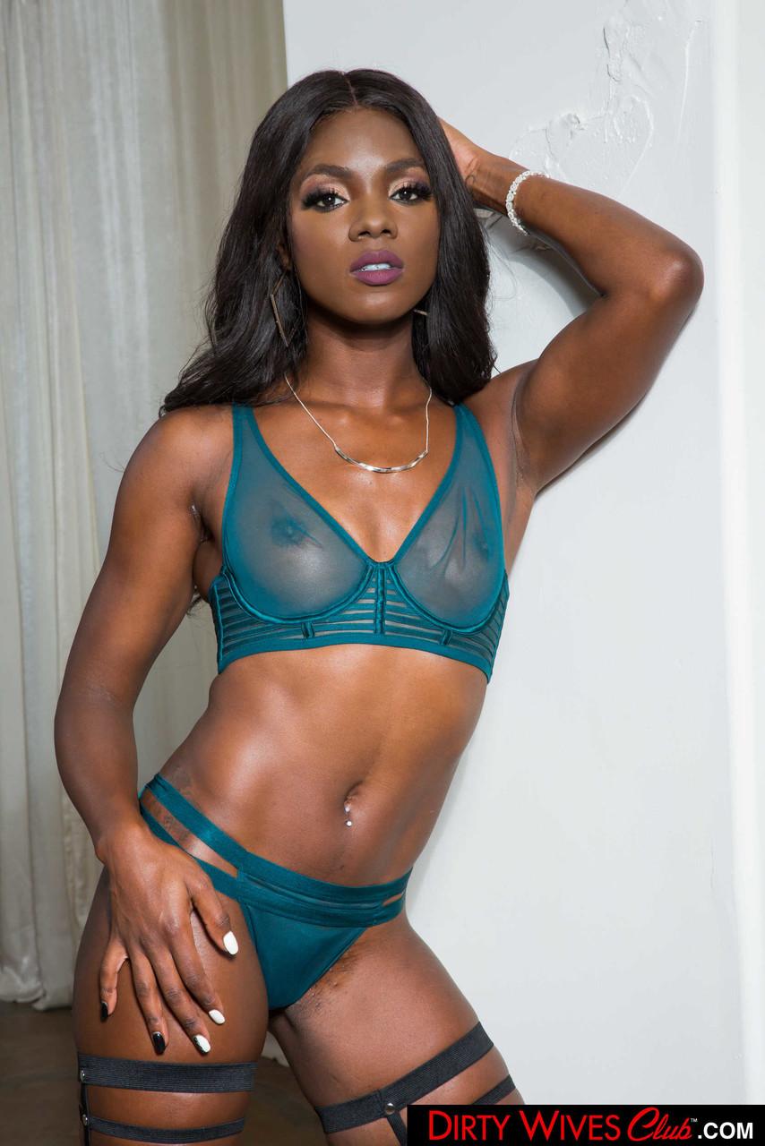 Ebony and black porn. Gallery - 1071. Photo - 2
