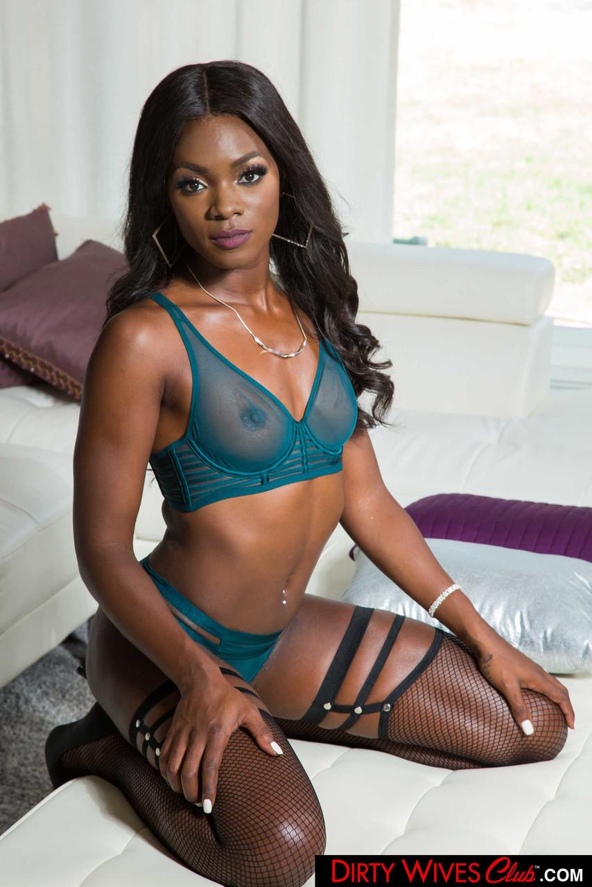 Ebony and black porn. Gallery - 1071. Photo - 5