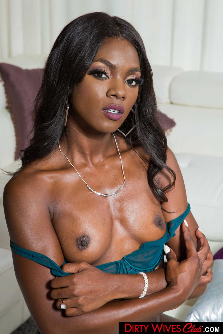 Ebony and black porn. Gallery - 1071. Photo - 7