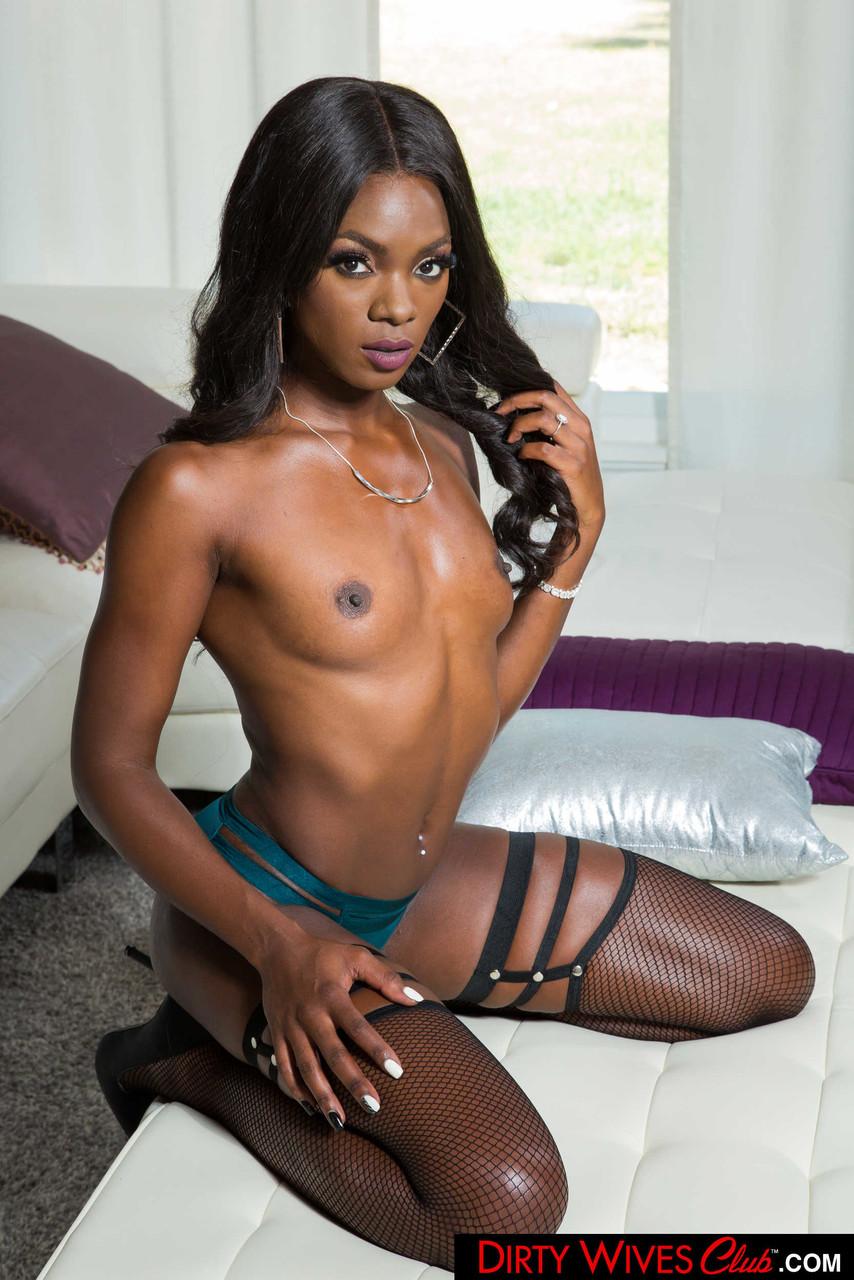Ebony and black porn. Gallery - 1071. Photo - 8