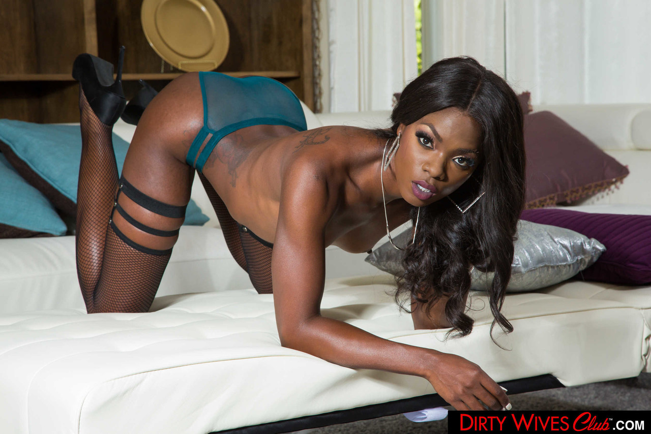 Ebony and black porn. Gallery - 1071. Photo - 9