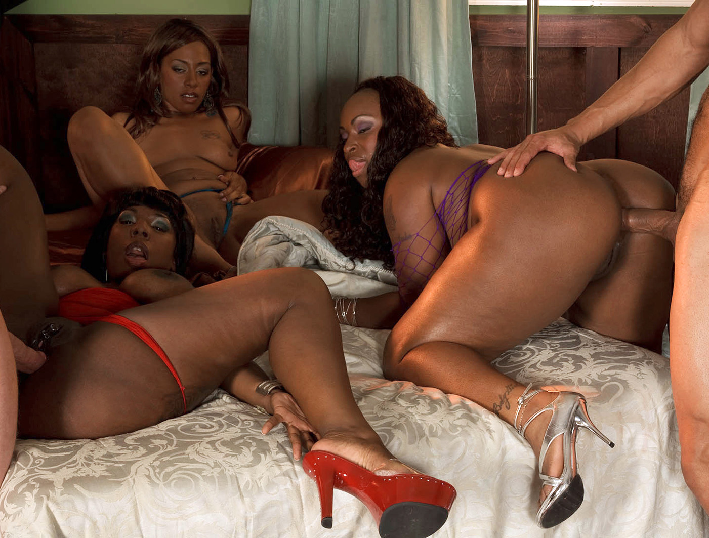 Black milf porn pics, ebony milf galery