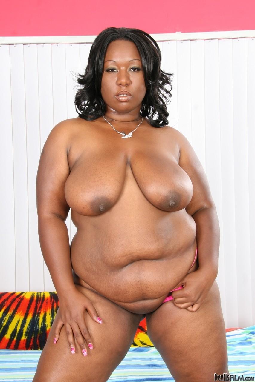 Взрослая черная чикса с ожиревшим момоном. Фото - 12