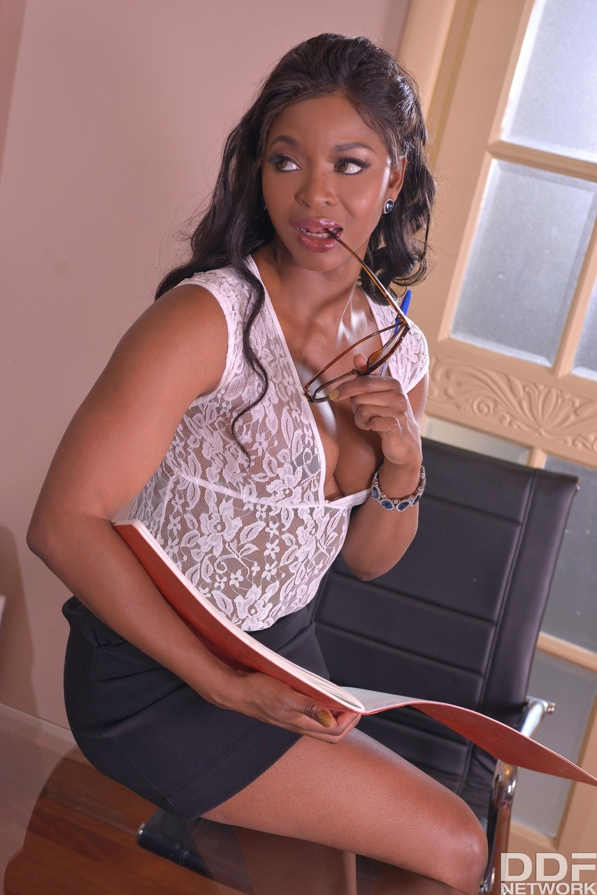 Ebony and black porn. Gallery - 485. Photo - 2