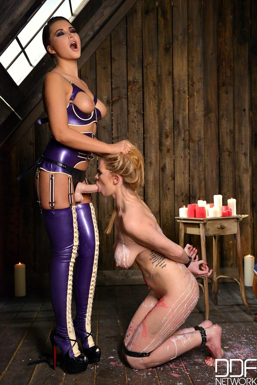 Lesbian porn. Gallery - 1019. Photo - 2