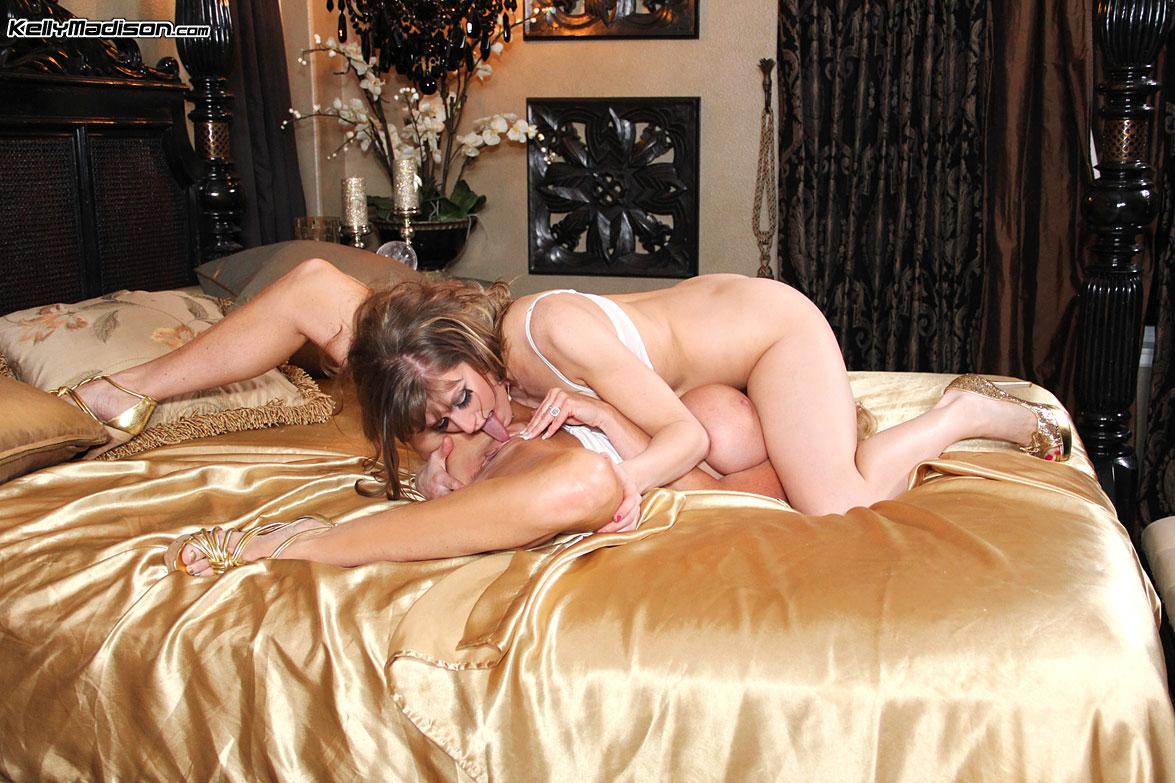 Lesbian porn. Gallery - 1027. Photo - 16
