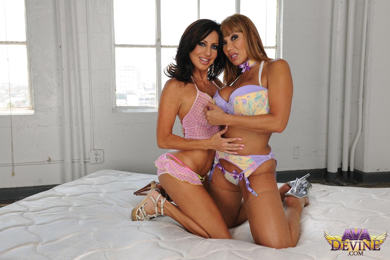 Lesbian porn. Gallery - 1041. Photo - 1