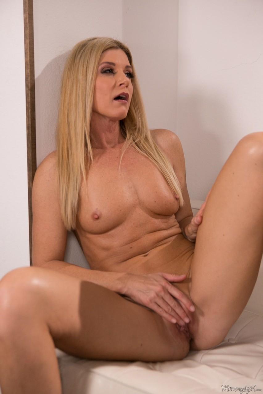 Lesbian porn. Gallery - 1042. Photo - 10