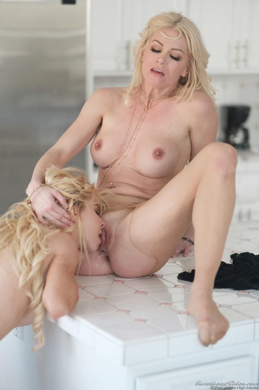 Lesben Pornos. Galerie - 1080. Foto - 11