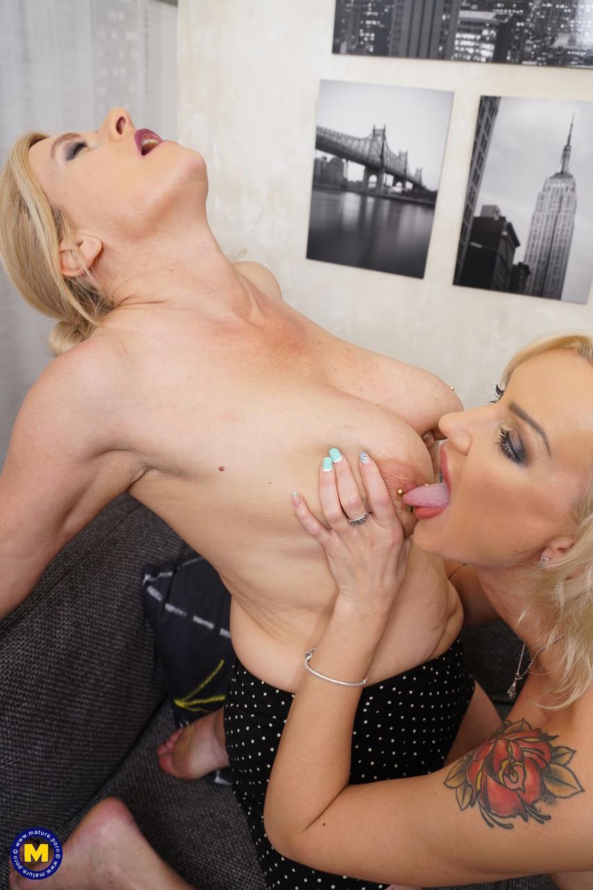 Lesbian porn. Gallery - 1106. Photo - 13