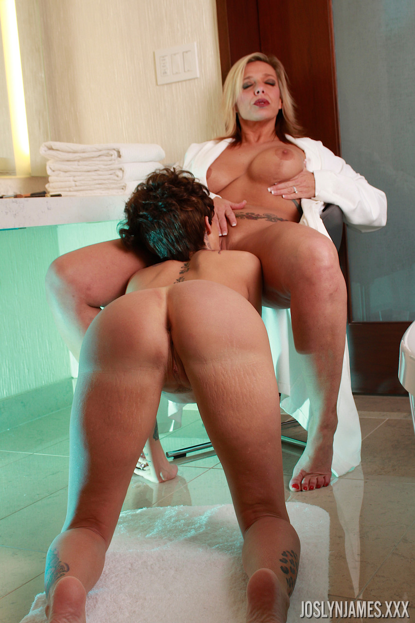 Lesbian porn. Gallery - 1138. Photo - 3