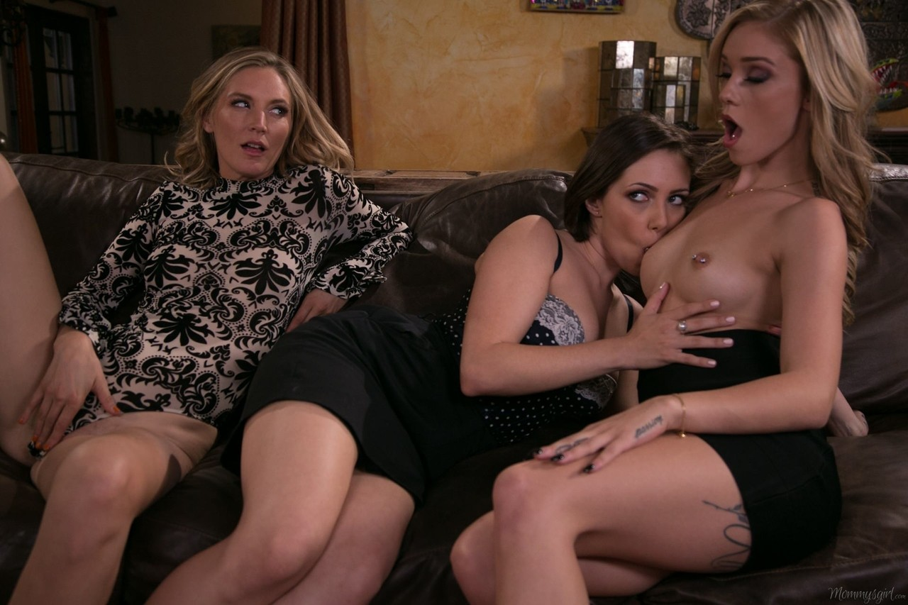 Lesbian porn. Gallery - 1165. Photo - 5