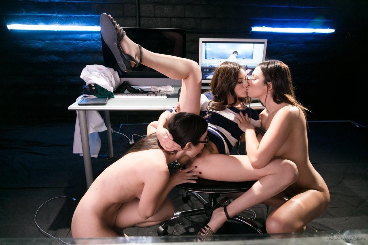 Lesben Pornos. Galerie - 1179. Foto - 12
