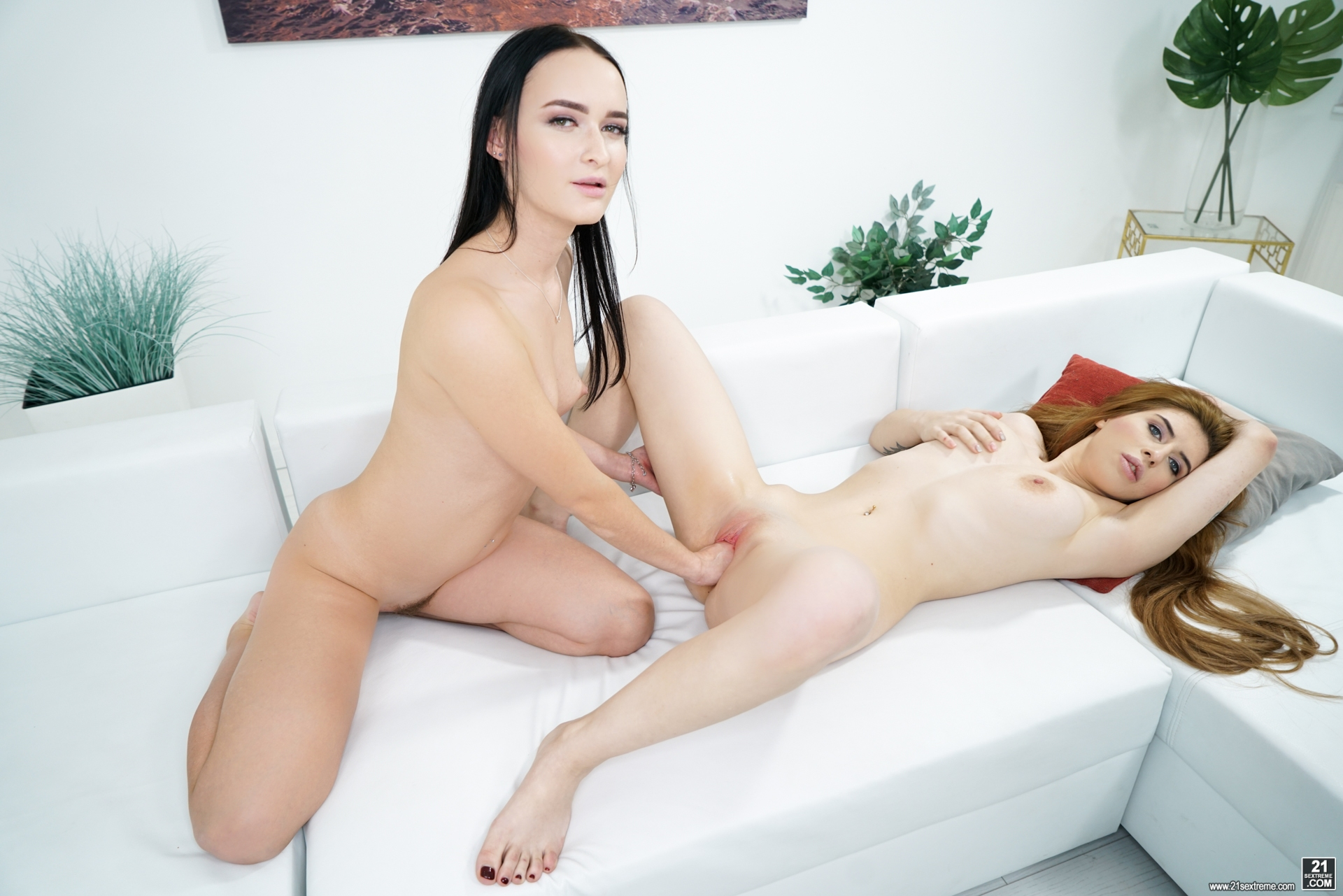 Lesben Pornos. Galerie - 1194. Foto - 8