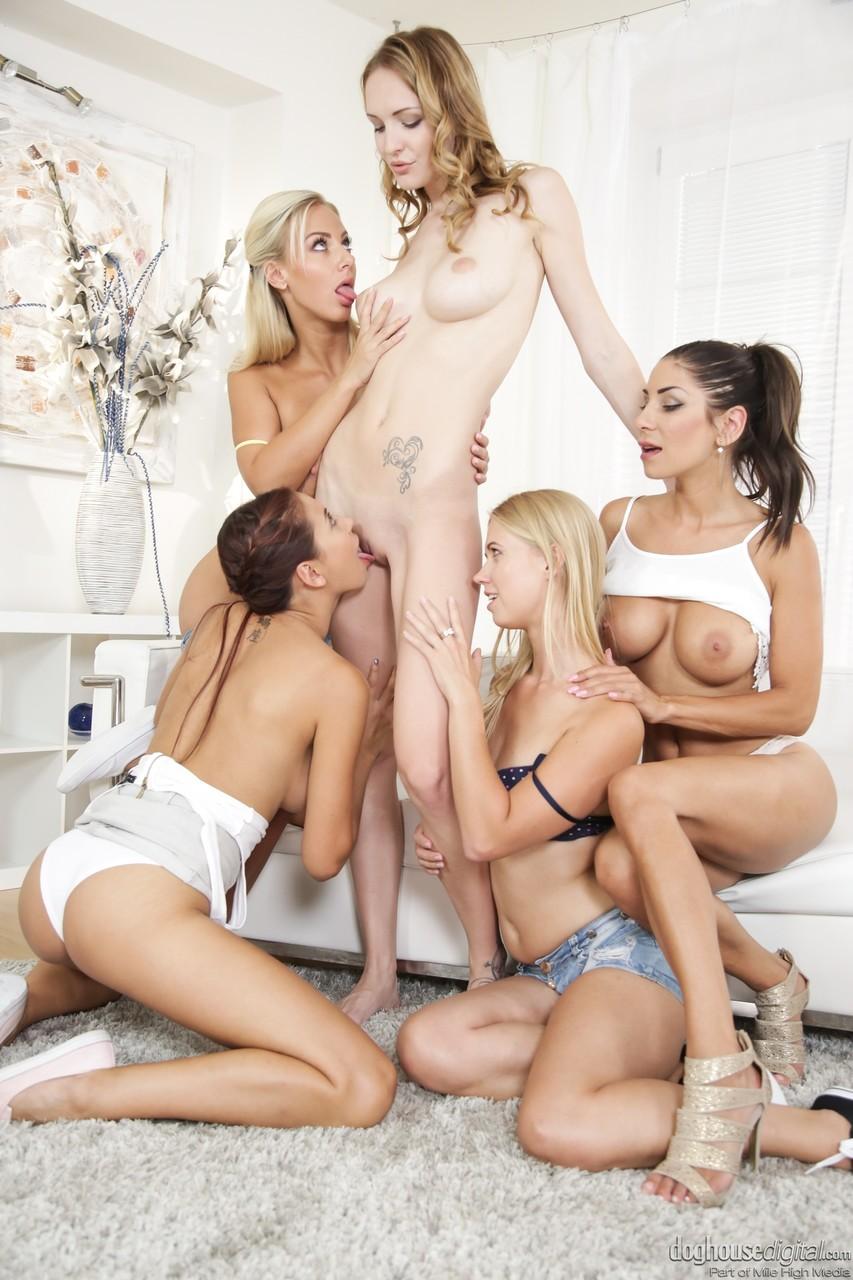 Lesbian porn. Gallery - 1215. Photo - 5