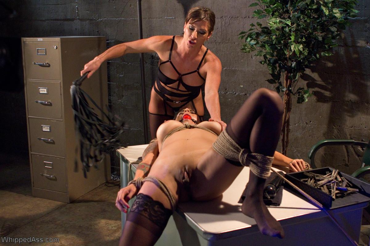 Lesbian porn. Gallery - 1234. Photo - 2