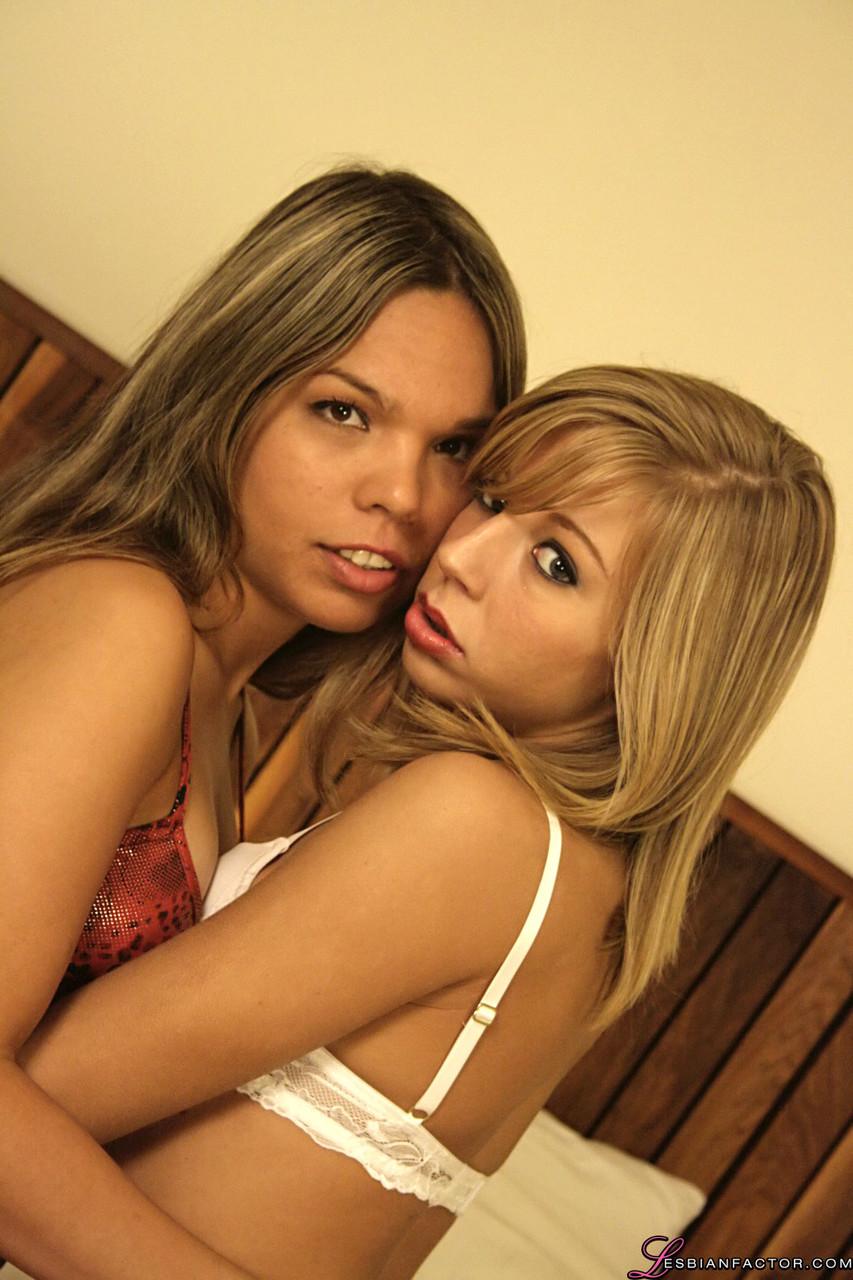 Lesbian porn. Gallery - 1259. Photo - 1