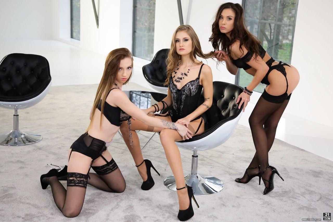 Lesbian porn. Gallery - 1269. Photo - 1