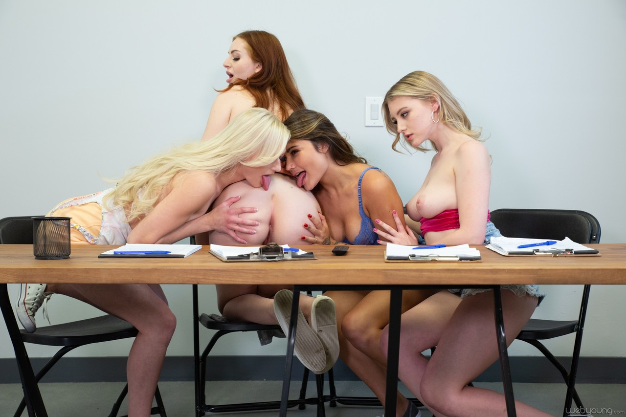 Lesben Pornos. Galerie - 1545. Foto - 4