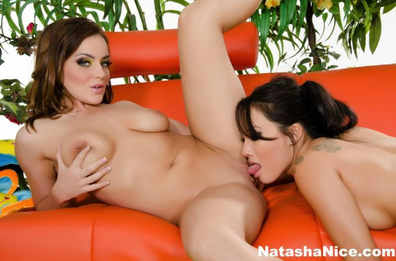 Lesbian porn. Gallery - 271. Photo - 4