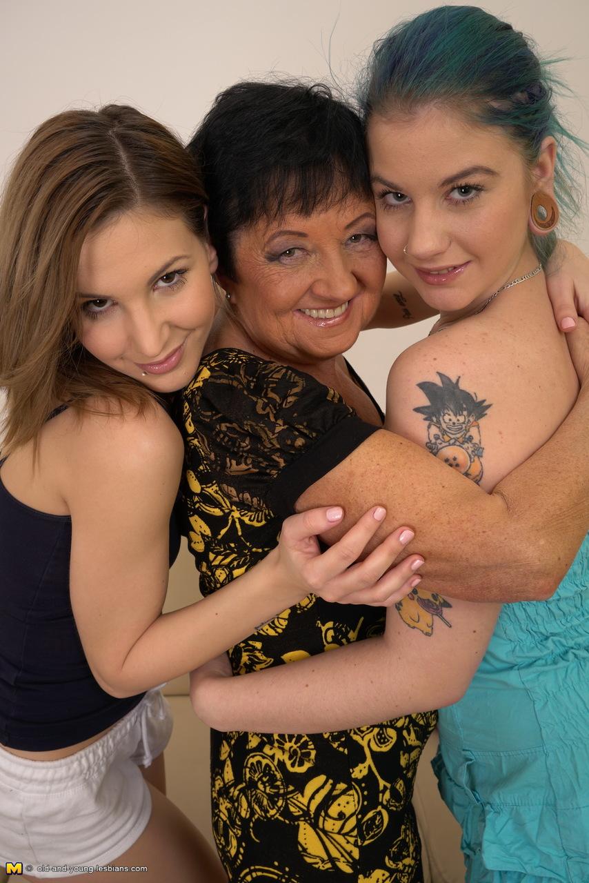 Lesbian porn. Gallery - 373. Photo - 4